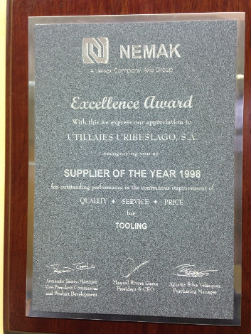 Nemak Supplier Award is rewarded to Uribesalgo (1998)